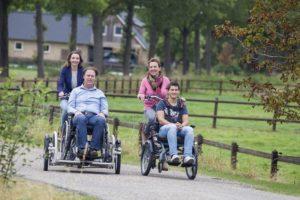 Velo pour les personnes handicapés en siège roulant